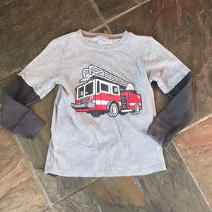 $3 w/ $15 bundle. Sz 5/6 T shirt. Great shape.